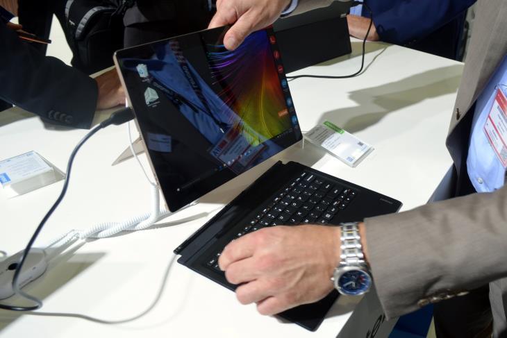 Lenovo IdeaPad MIIX 700 Detachable 2-in-1