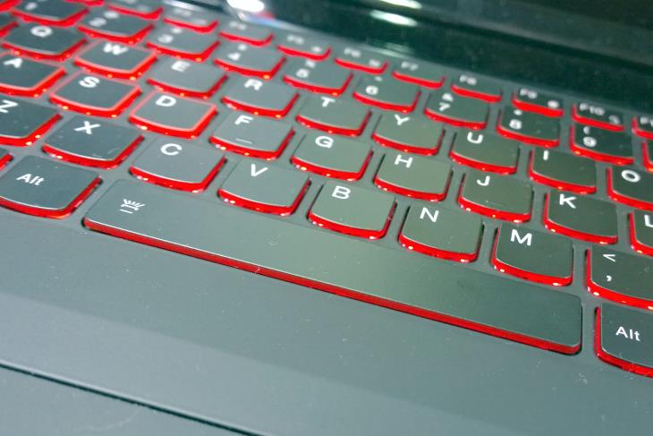Lenovo Y700 15_6 Keyboard Zoomed