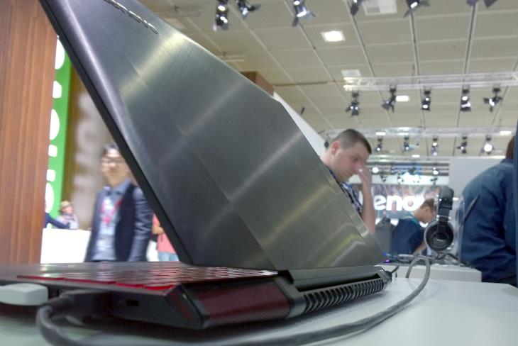 Lenovo Y700 15_6 Lid