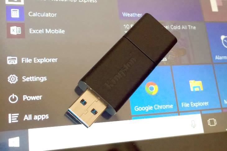 how to reformat laptop windows 10 using usb