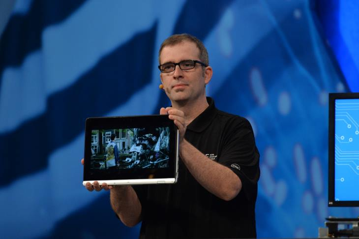 Intel Presents a 2-in-1 Laptop with Skylake Processor