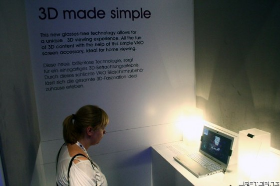 Sony VAIO SI 3D with Accessory